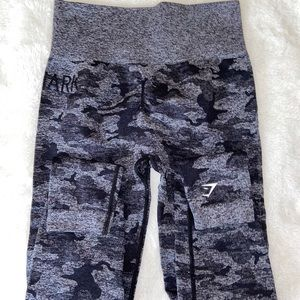 Gym shark leggings